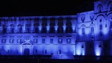 palazzo reale in blu autismo